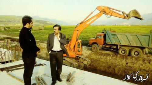 بازدید میدانی فرماندارکلاله از مسیر خط انتقال آب شرب شهر کلاله در روستای طوقه