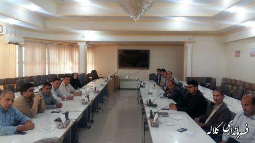 نشست صمیمی فرماندار کلاله با کارکنان فرمانداری و بخشداری ها