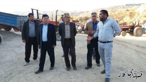 بازدید فرماندار کلاله از سنگ شکن روستای عزیز آباد