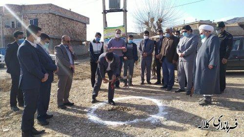 کلنگ زیرسازی و آسفالت معابر روستای عزیز آباد به زمین زده شد