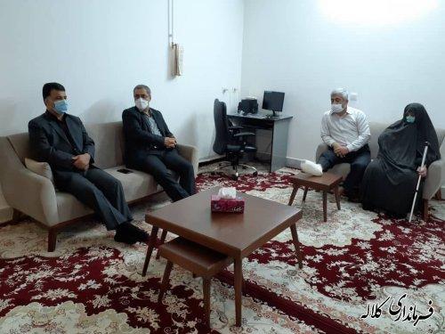 دیدار فرماندار کلاله با مادر شهید نجاری