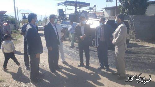 بازدید فرماندار کلاله از روند آسفالت معابر روستای گرایلی